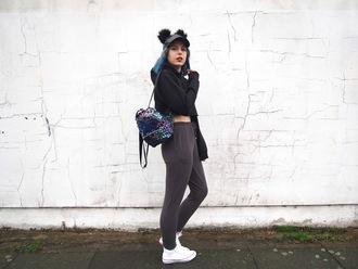 the velvet black grunge blogger hat bag sweater cap backpack hoodie converse sneakers
