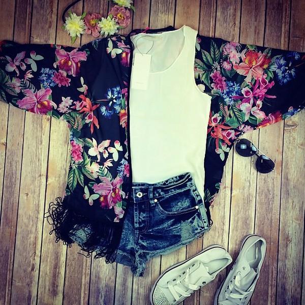 blouse www.needthatlook.com kimono kimono floral tassel shorts