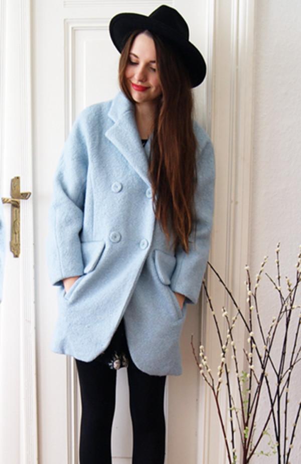 coat light blue