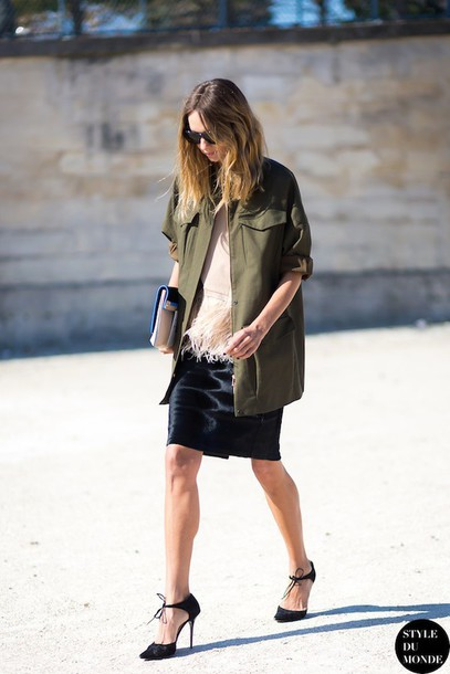 le fashion blogger jacket blouse black skirt black heels khaki bag skirt