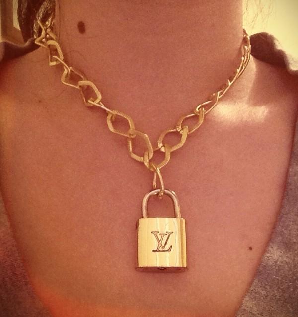 jewels gold louis vuitton necklace