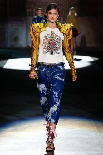 jeans taylor hill milan fashion week 2016 runway model dsquared top