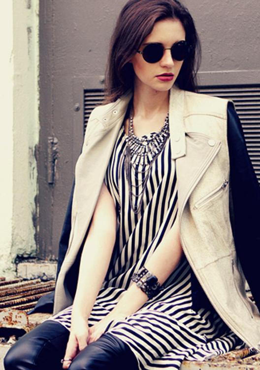 Lion&rivet Decorative Single-shoulder Bag In Black | ecugo