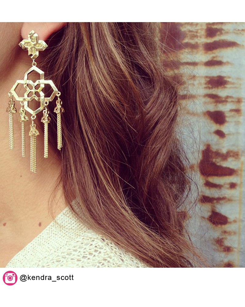 Lara Medallion Earrings in Gold - Kendra Scott Jewelry