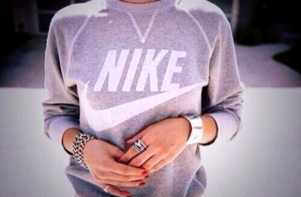 sweater oversized sweater winter sweater nike sweater sexy sweater cute sweaters grey sweater nike nike sportswear white jewels jewelry silver jewelry silver silver ring ring bracelets clothes