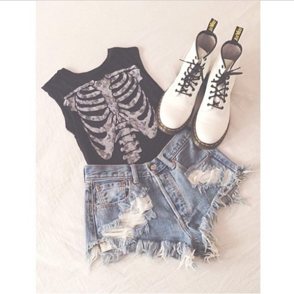 t-shirt skull High waisted shorts boots muscle tee shorts rib cage