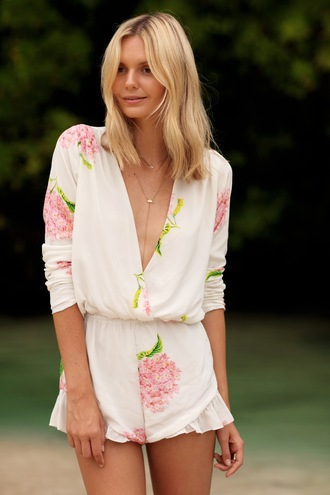 tuula blogger romper floral jewels jewelry necklace gold gold necklace tuula vintage jessica stein
