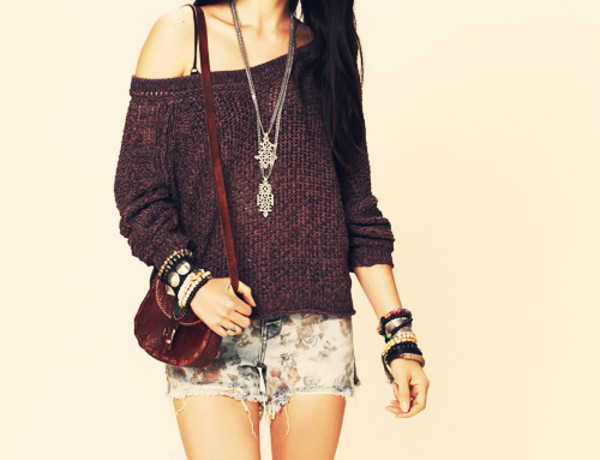 sweater purple shorts flowers necklace