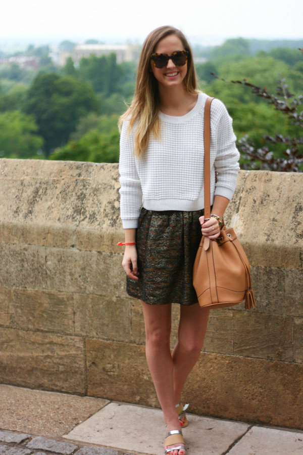side smile style sweater skirt shoes bag jewels sunglasses