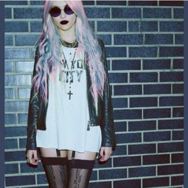 top pastel hair goth grunge grunge t-shirt suspenders sunglasses socks