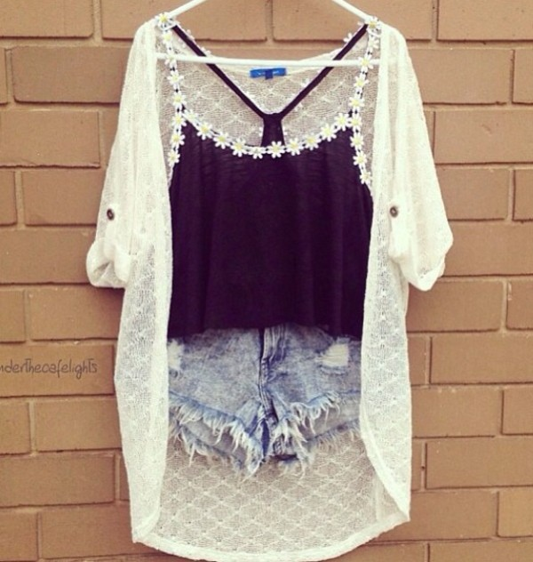 shirt daisy black oversized cardigan shorts pretty cute cute outfits top flowers white denim cardigan daisy denim shorts black crop top kimono summer outfits tank top white cardigan black flower top black tank top daisy top ripped shorts blouse coat jeans blue sunflower
