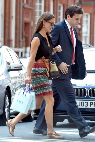shoes pippa middleton top topshop sandals earrings skirt
