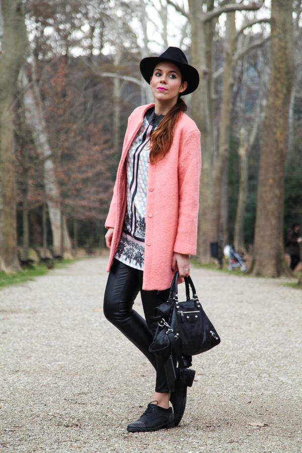 irene closet dress t-shirt pants coat shoes bag hat