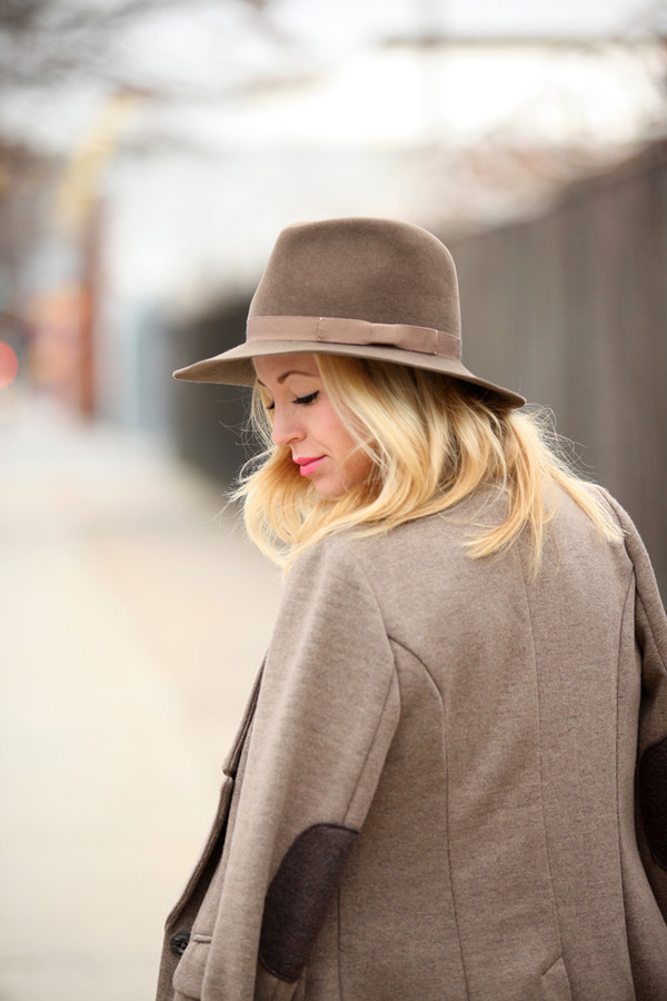 brooklyn blonde sweater jacket hat shoes bag jewels