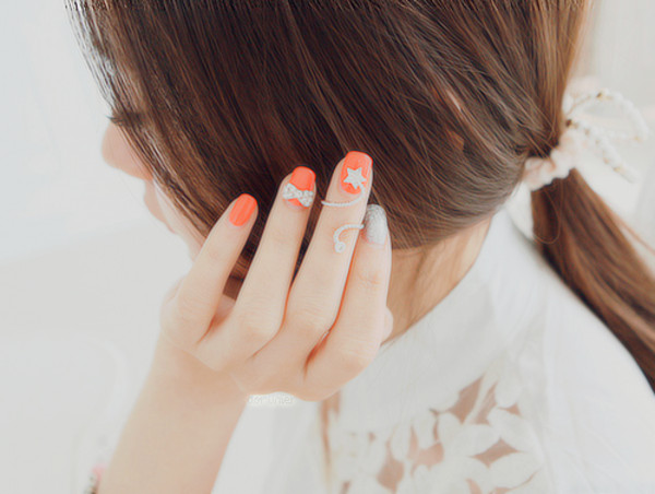 nail polish nails bow stars white peach a-yoseoul.tumblr jewels