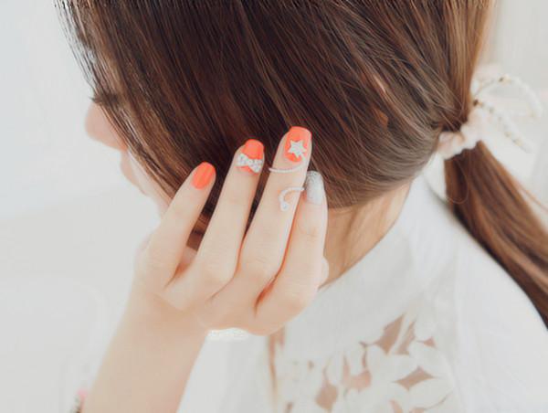 nail polish nails bow stars white peach a-yoseoul.tumblr jewels