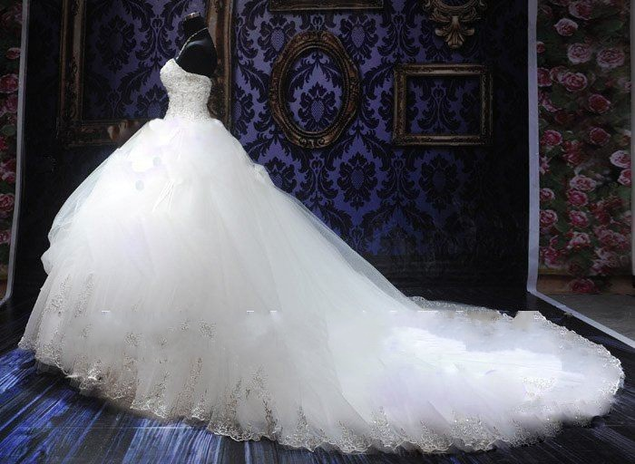 Aliexpress.com : Buy New 2014 Royal Puffy White Sweetheart Bandage Long Court Train Lace Bridal Wedding Dresses with Crystal from Reliable wedding dress 3 suppliers on No.1 SuZhou Wonderful Evening& wedding dress store