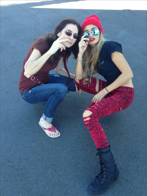 jeans pants cheetah is the new black leopard print red beanie crop tops crop tops sunglasses flip-flops combat boots writing jewelry bracelets