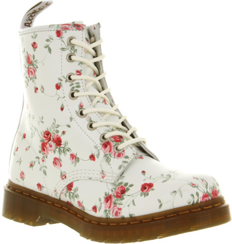 Dr. Martens 8 Eyelet Lace Up Bt Jwl Portland Ro in White | Lyst