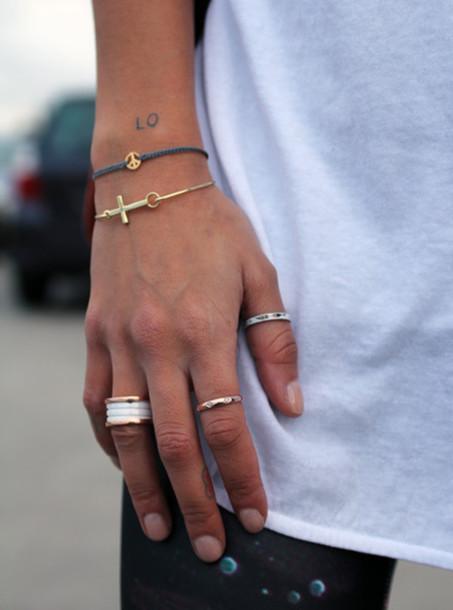 jewels ring ring bracelets streetstyle minimalist jewelry hands
