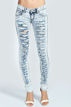 Alice Bleach Wash Ripped Jeans at boohoo.com
