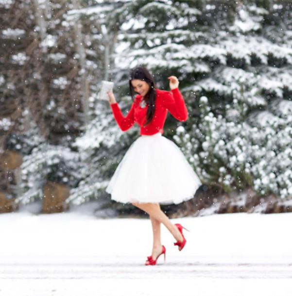 skirt white skirt red sweater red heels red shoes snow red nails pochette sparkle
