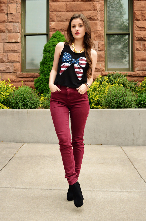 shelly stuckman top jewels jeans shoes