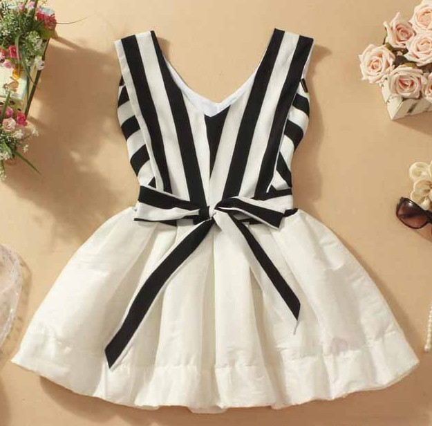 A 090537 V-neck striped tutu dress stitching / sincere