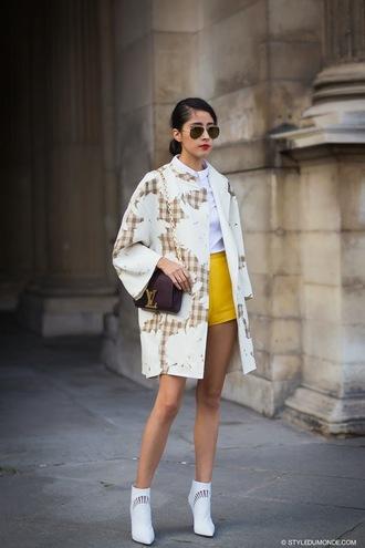 shoes bag shirt chic muse coat shorts sunglasses
