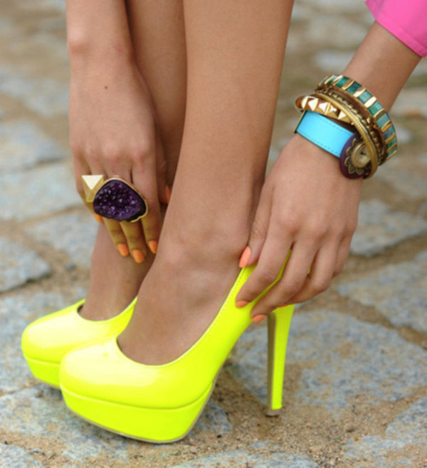 shoes yellow pumps
