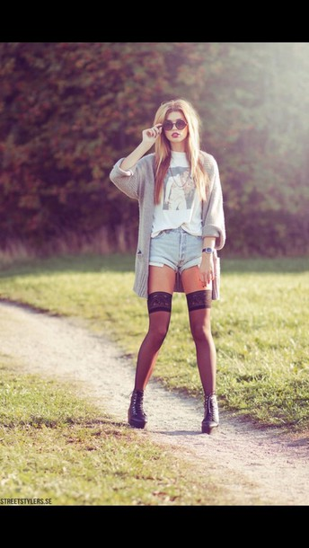 t-shirt shirt style white t-shirt indie grunge hipster top pretty tights