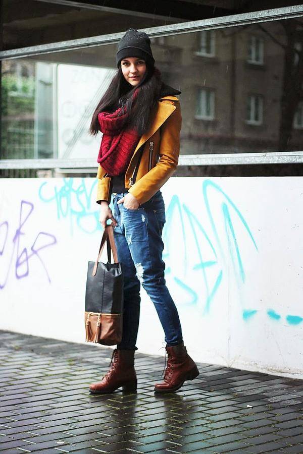 leona meliskova jacket t-shirt jeans bag hat