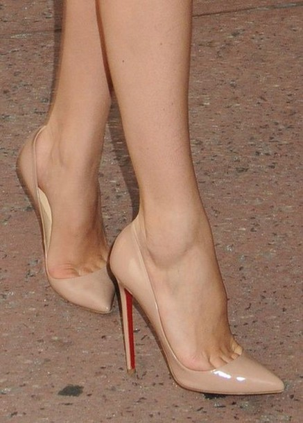 Shoes: nude beige pumps pointed toe heels - Wheretoget