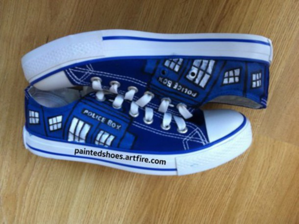 shoes tardis shoes converse doctor who shoes doctor who time lord painted shoes painted vans painted toms tardis blue geekery geek police box