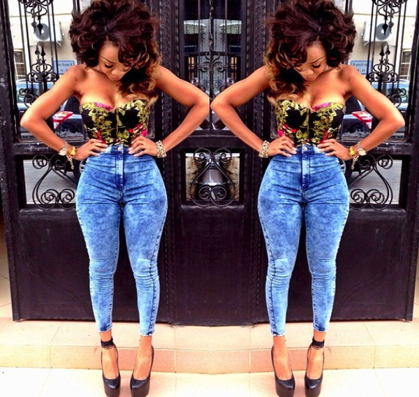 jeans high waisted jeans tube top black pumps shirt
