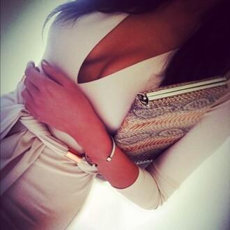 dress cream dress cream long sleeves bag clutch silver bracelet v neck rose gold belt dress trendy envelope clutch white dress white cleavage snake print t-shirt