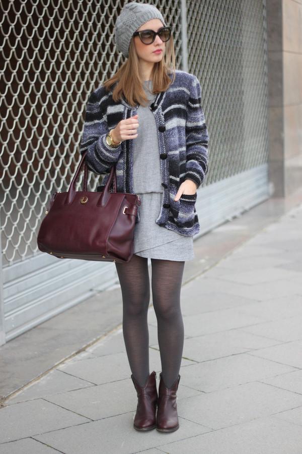 say queen hat dress jacket sunglasses bag shoes