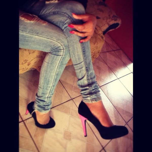 shoes heels pumps black pink jeans