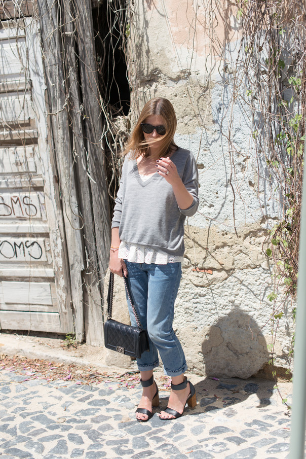 Bash Broderie Anglaise et Pull | The Working Girl