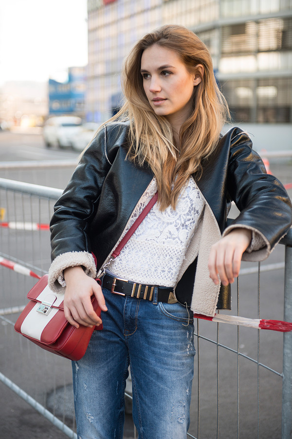 fashion gamble bag jeans jacket t-shirt belt shoes jewels