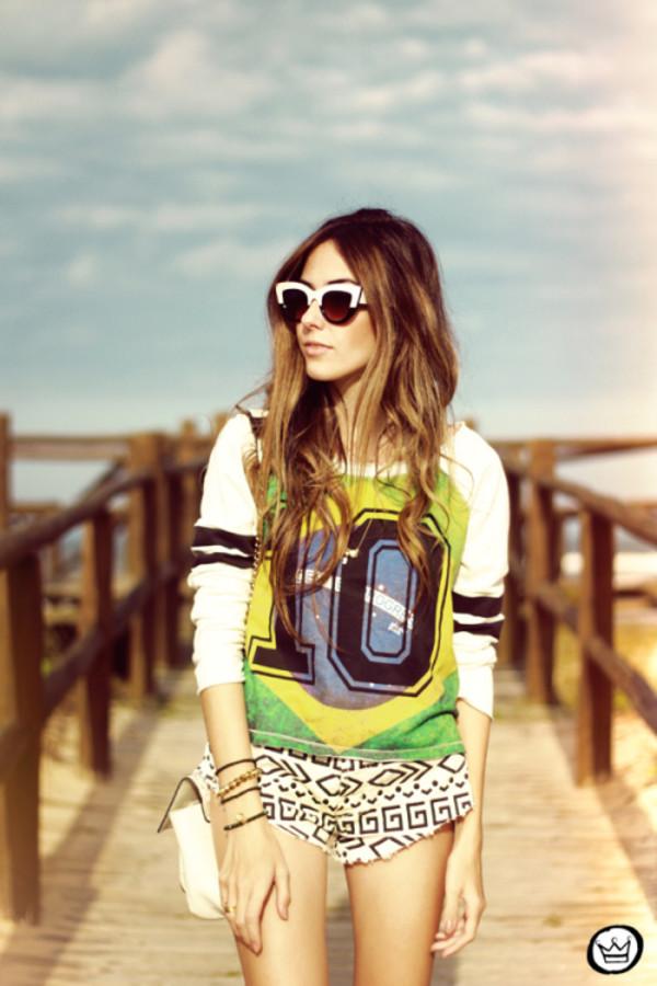 fashion coolture jeans sunglasses jewels bag shoes