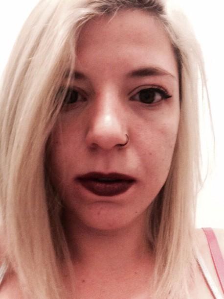 make-up l'oréal eyeliner trendy bordeau lipstick