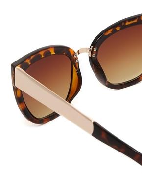 ASOS   ASOS Cat Eye Sunglasses With Metal Bridge Detail at ASOS