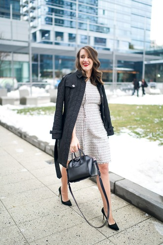 covering bases curvy blogger dress coat shoes jewels make-up black coat handbag high heel pumps
