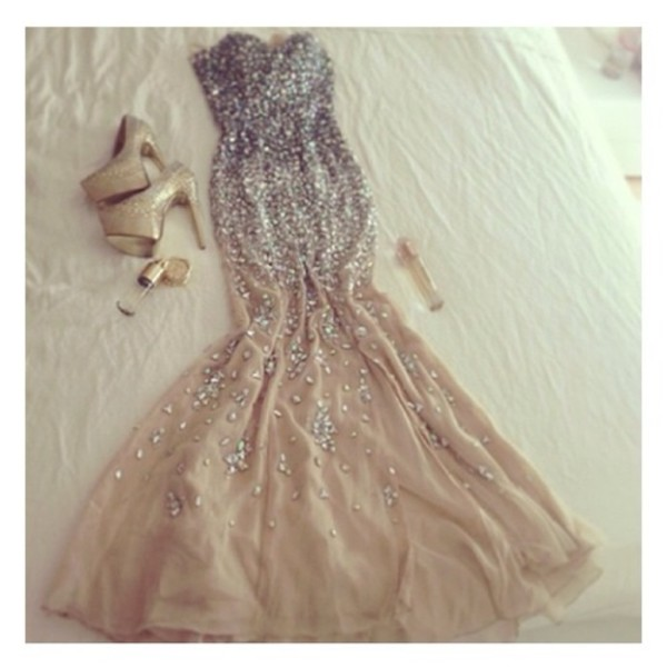 dress silver beige nude fish tail sequins sparkle strapless glamour prom gown ballroom fancy heels clutch badass bling girl showstopper