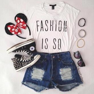 t-shirt shorts mickey mouse converse jewels shoes minnie mouse ears headband shirt fashion white black is so outfit top