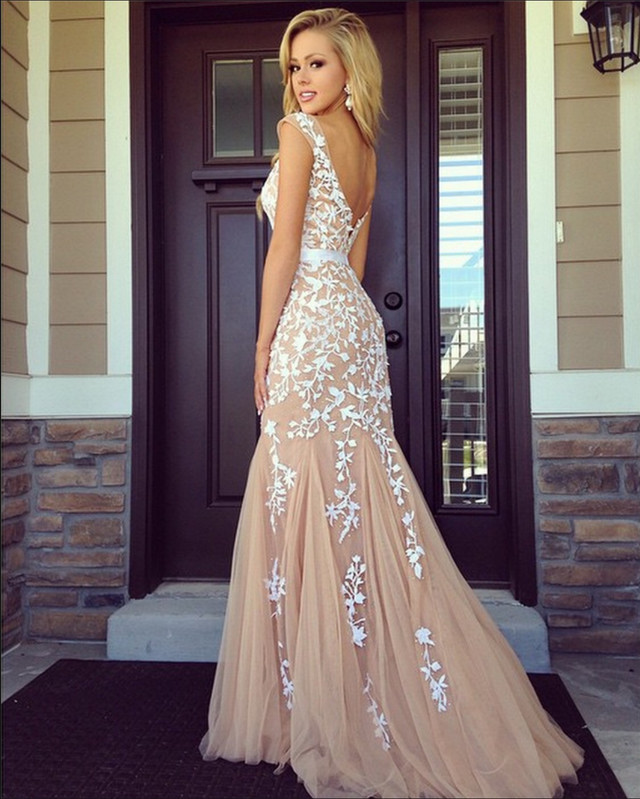 Jaw-Dropping Real Girl Prom Dresses That Actually Exist - Wheretoget