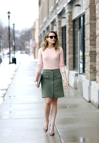 pennypincherfashion blogger sweater skirt shoes bag green  skirt pink sweater clutch high heel pumps