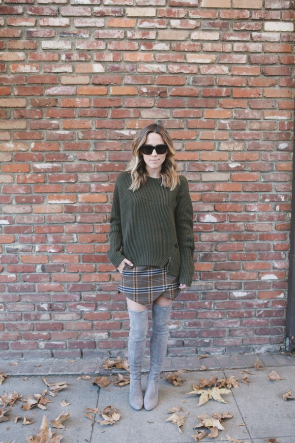 damsel in dior sweater skirt jewels shoes