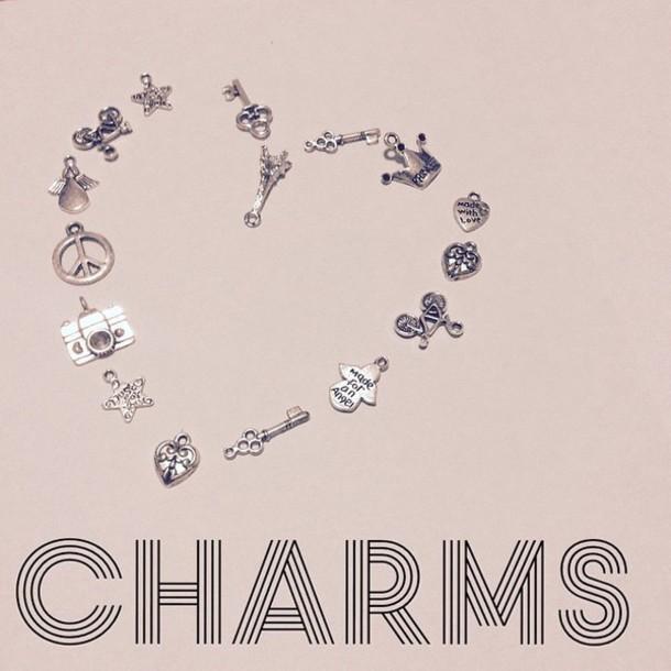 jewels charms pendant pendance choker angheeel arrow key princess queen hamsa pendant pendant head chain